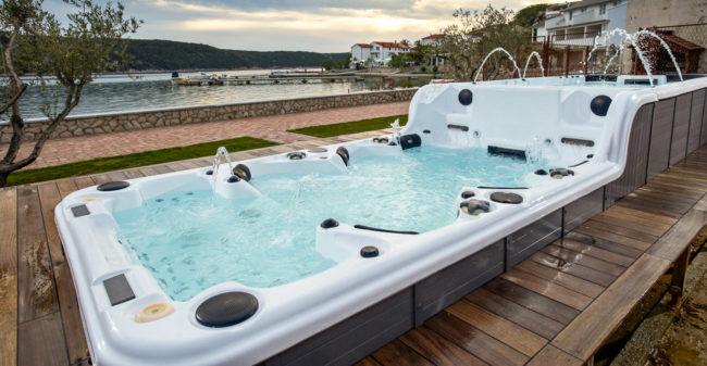 Kombipool för spa och simma