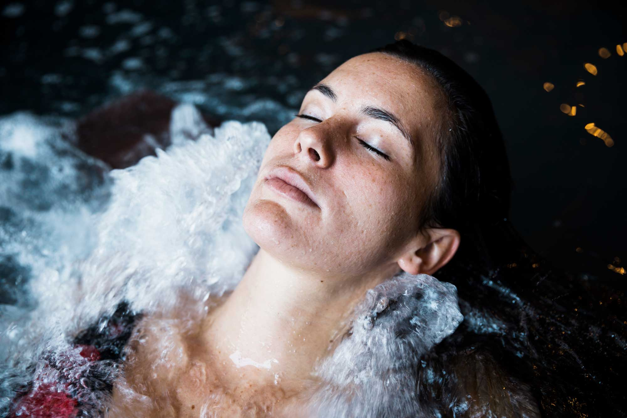 woman-relaxing-whirlpool